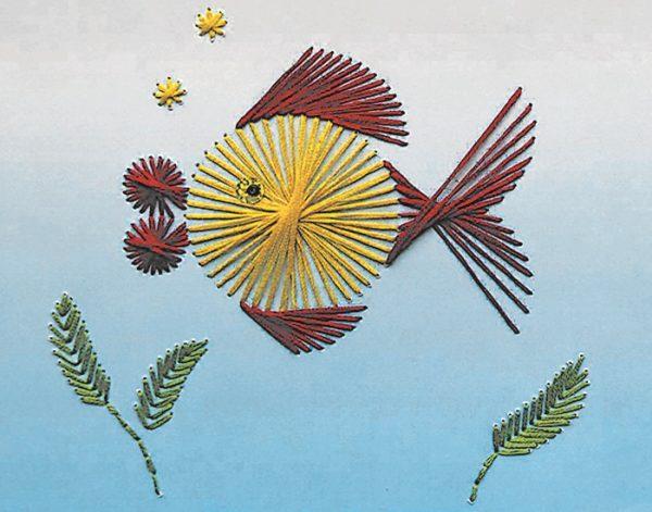Рыбка, созданная методом изонити