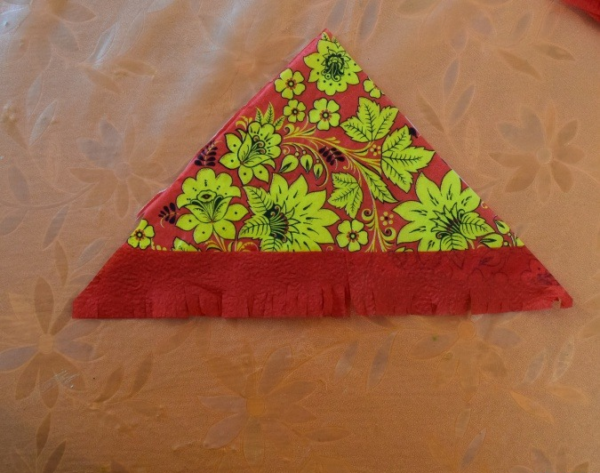 Платок с бахромой для куклы из салфеток
