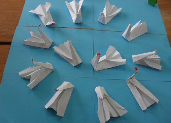 Лебеди из бумаги
