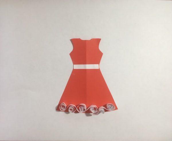 Платье из цветной бумаги с элементами квиллинга