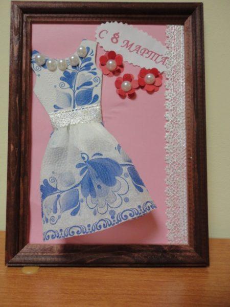 Платье из салфеток и бусин