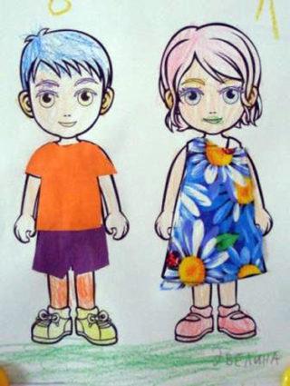 Мальчик и девочка на прогулке летом