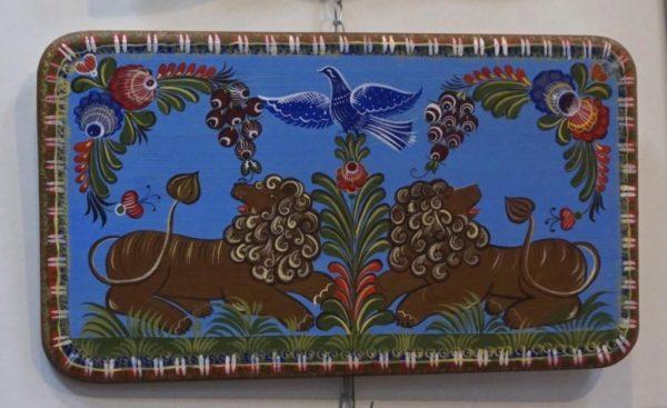 Поднос с городецкой росписью на ярко-голубом фоне