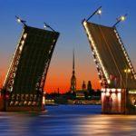 Дворцовый мост в Петербурге