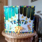 Лэпбук с цветными буквами с бежевым бантиком