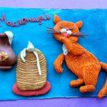 Открытка «Блины и кот, облизывающий лапу в сметане»