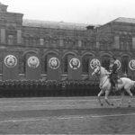 Жуков на Параде Победы в 1945