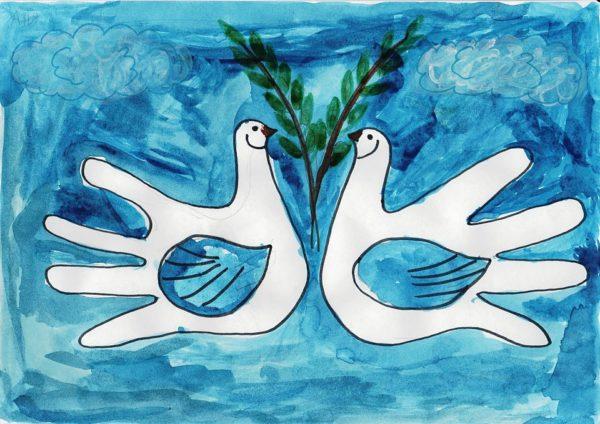 Голуби мира (из обведённых детских ладошек)