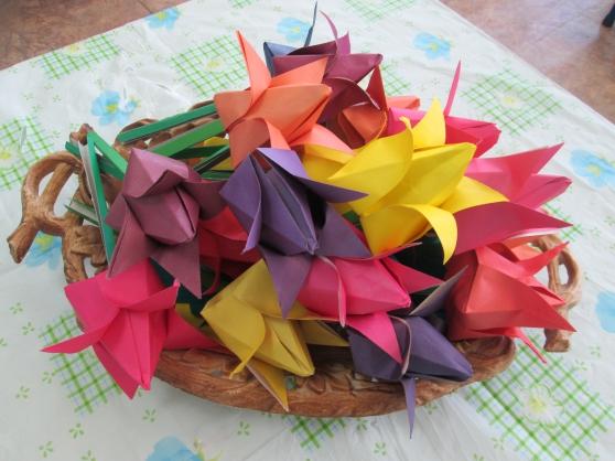 Самодельные тюльпаны из бумаги