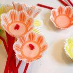 Цветы из бумажных форм под кексы