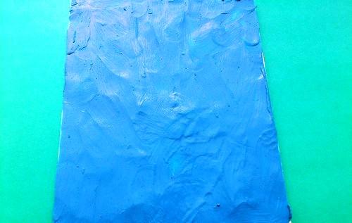 Подготовленная подложка синего цвета