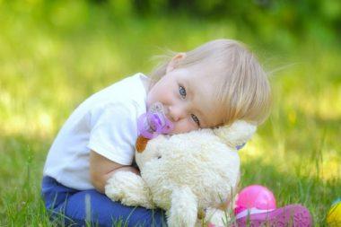 Отучить ребёнка от соски не так сложно, как кажется на первый взгляд.