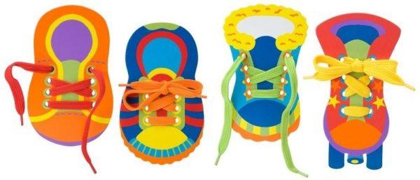 Тренажёры-шнуровки в форме детской обуви