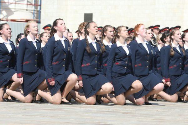 Девочки-кадеты