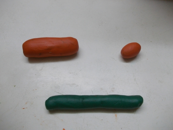 Толстый и тонкий цилиндры и яичко