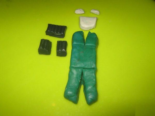 Заготовки зелёного, чёрного и белого цвета