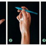 Три этапа захвата карандаша с салфеткой
